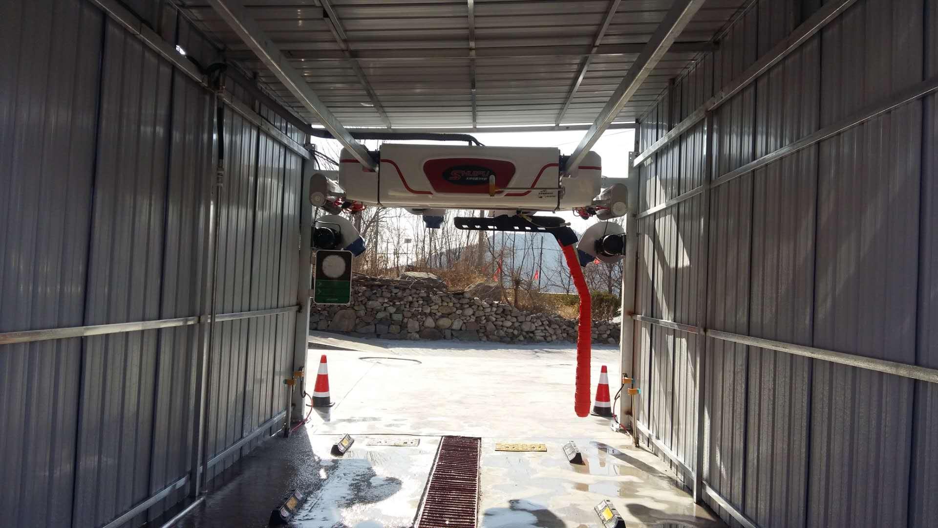 科技创新,品质承诺,贺山东鲁东m7全自动洗车机安装完成